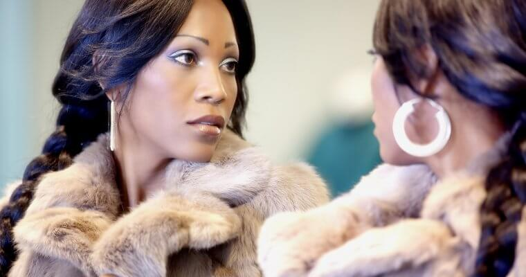 Мода за жените с извивки: Трикове и съвети от експертите