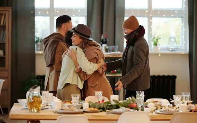Как да очароваме гостите си, ако не можем да готвим?