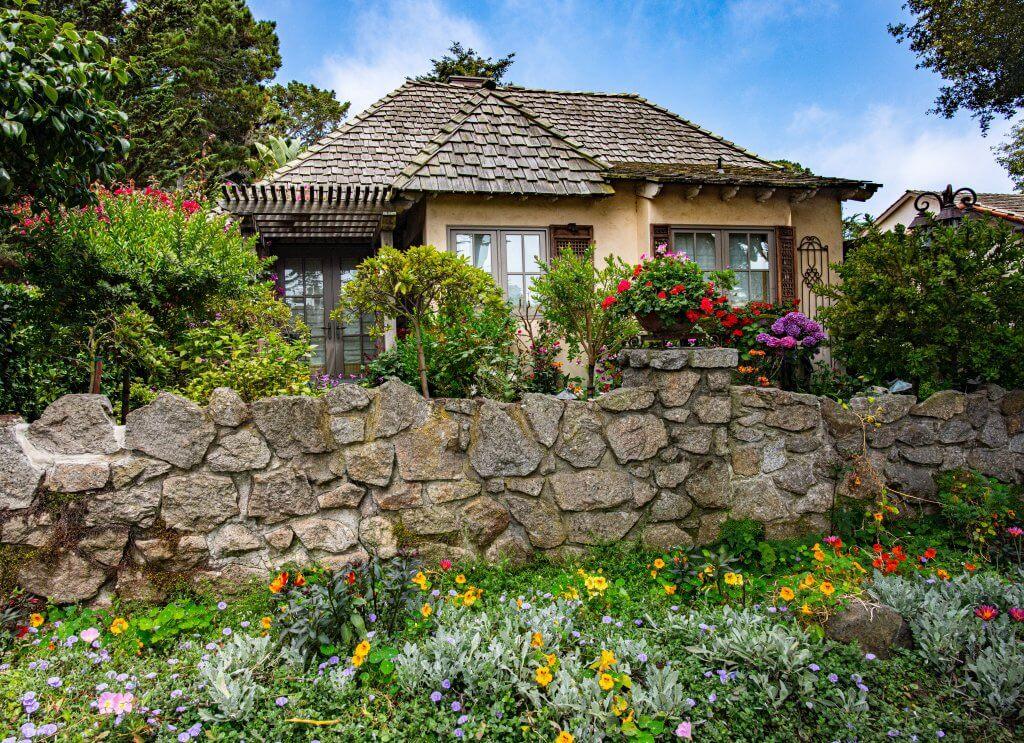 двор-градина
